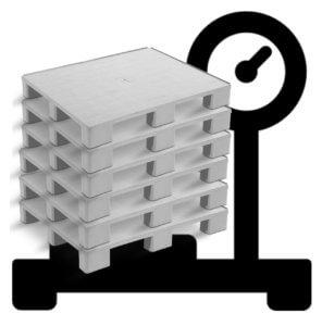 pallets de plástico em cima de uma balança